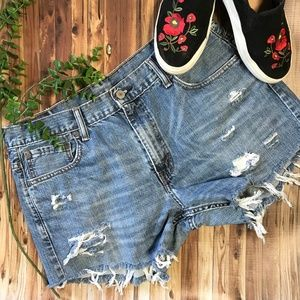 Levis 569 Cutoff Distressed Ripped Jean Shorts 34